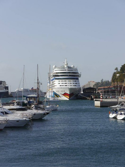 AIDAblu im Hafen