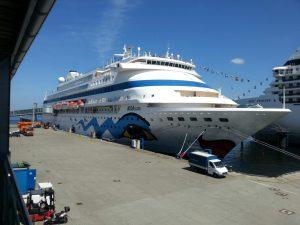 AIDAcara im Hafen